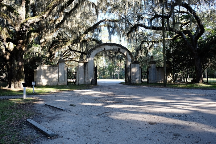 entrance to Wormsloe historic site, Savannah, GA