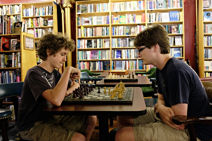 chess at Inquiring Minds, Saugerties
