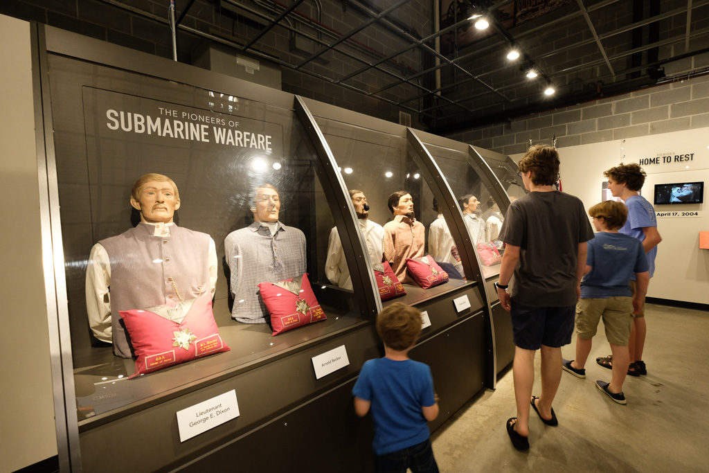Hunley submarine museum exhibit