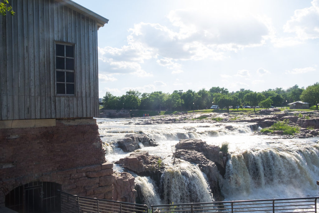 An Evening in Sioux Falls and Sioux Falls KOA Campground Review (Plus a little Sioux City)