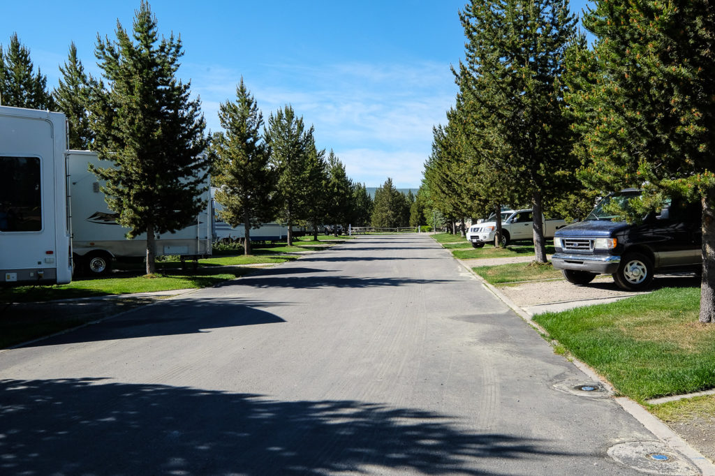 row of campsites at Yellowstone Grizzly RV Park